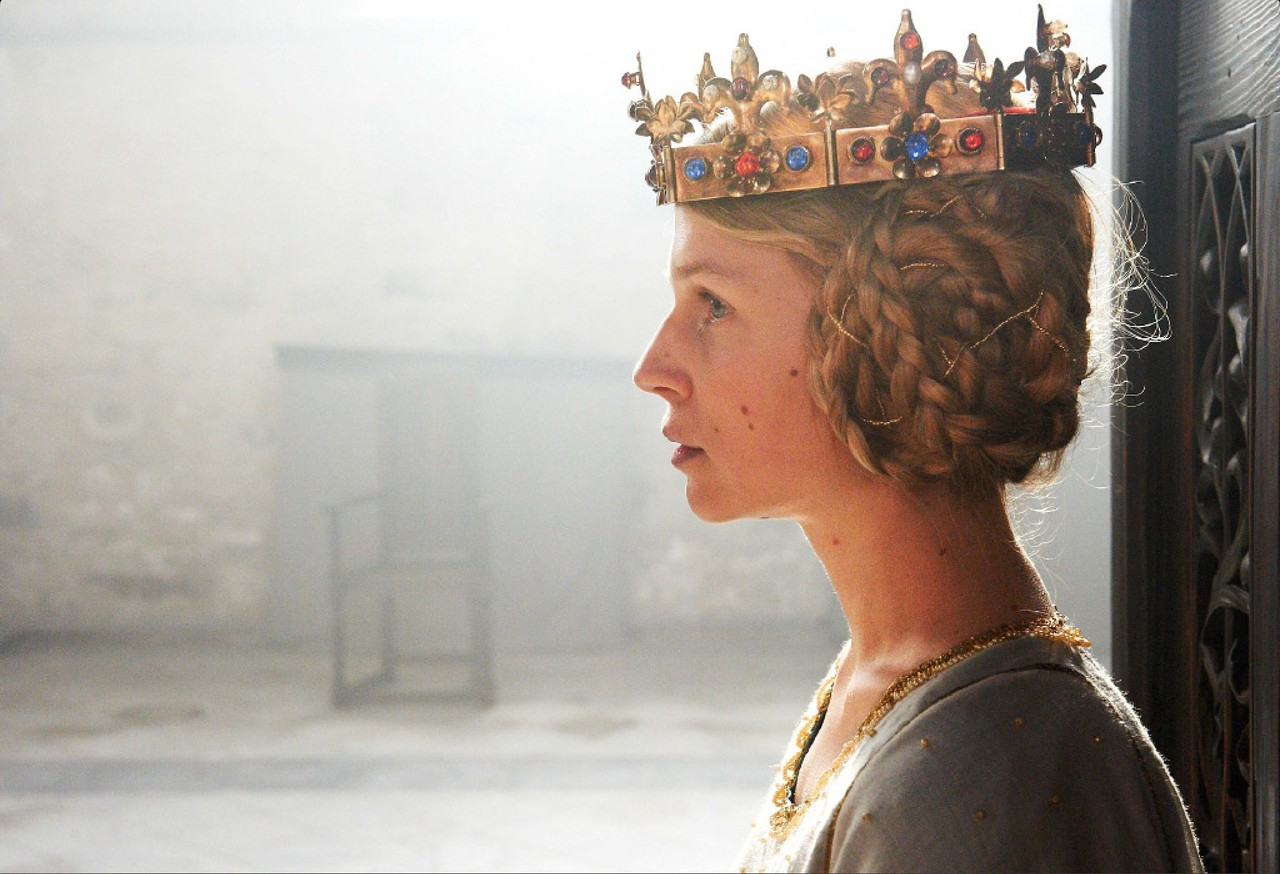 an essay on the life of queen isabella Isabella of france (1292-1358) queen of england  isabella then left france for her new life in england  this will really help my research essay.